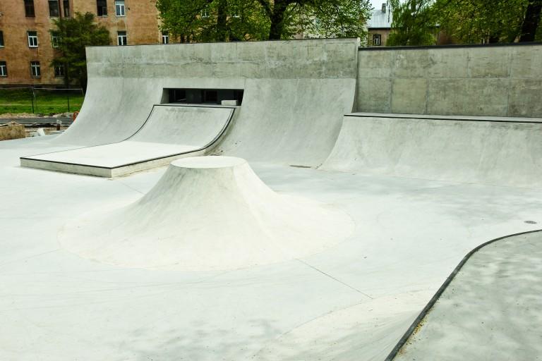 Miera Dārza skeitparks
