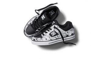 black-and-white dcshoes