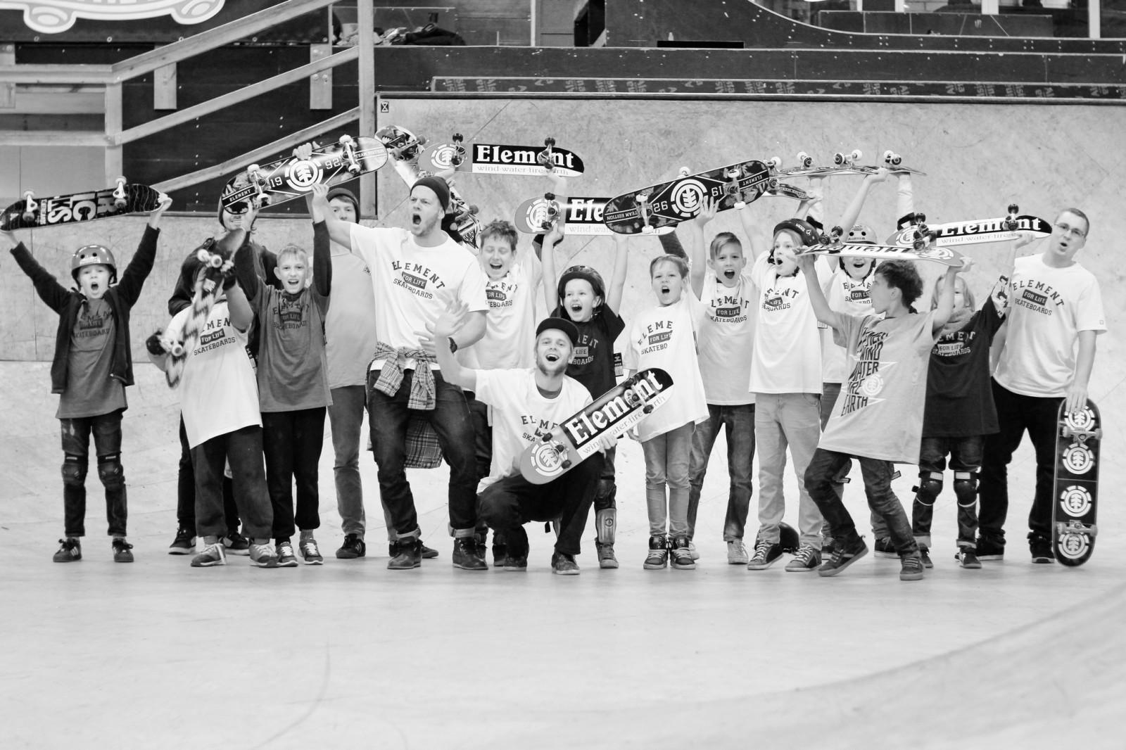 Rīgas Skeitborda Skola aicina jauniešus uz bezmaksas skeitborda nodarbību